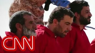 Download ISIS executes spies within their ranks Video