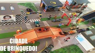 Download FIZ UMA SUPER CIDADE DE BRINQUEDO COM MUITOS CARRINHOS, BONECOS E CASAS! Video