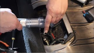 Download BMW e30 m52 turbo winter maintenance. S02E03 New fuel pump and bump steer fix Video