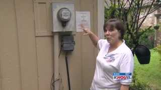 Download Homeowner Pulls Gun To Stop New Electric ″Smart″ Meter From Being Installed Video