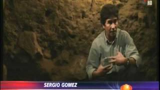 Download Un Robot explora túnel bajo templo de Quetzalcóatl en Teotihuacan Video