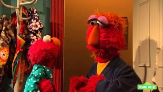 Download Elmo Doesn't Give Up - Part 1: Sesame Street: Little Children, Big Challenges Video