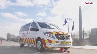 Download Training: ProRail rijdt met blauw zwaailicht en sirene Video