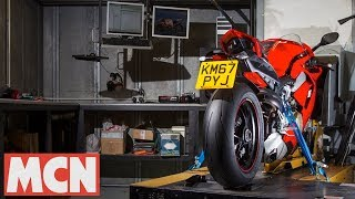 Download Ducati Panigale V4 | Dyno test | Motorcyclenews Video