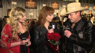 Download Reba McEntire Red Carpet Interview - ACCAs 2014 Video