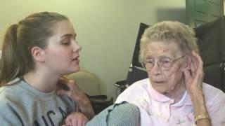 Download Anciana con Alzheimer recupera memoria al escuchar himno cristiano Video
