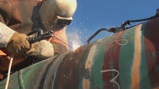Download Pipeline Welding - Cold Morning Tie-In Video