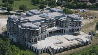 Download 13 BIGGEST Houses Video