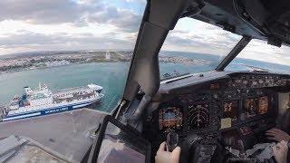 Download 25kts Crosswind Landing Brindisi RW31 - Boeing 737 Video