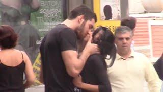 Download BEIJANDO MULHERES DESCONHECIDAS NA RUA Video