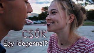 Download Csók egy idegennel? - Ismét az utcán varázsoltunk!   Szecso Video Video