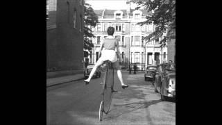Download Son Feci Bisiklet - Bu Kız Video