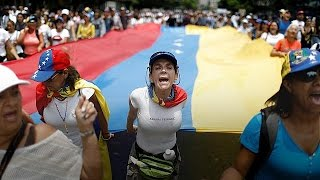 Download 'There is no future here' - Venezuelans stage mass sit-ins Video