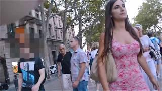 Download Una chica, un vestido y Barcelona Video