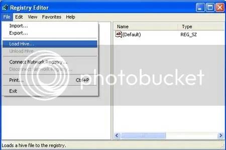 Load Hive nằm trong trình đơn xổ xuống của Menu File.