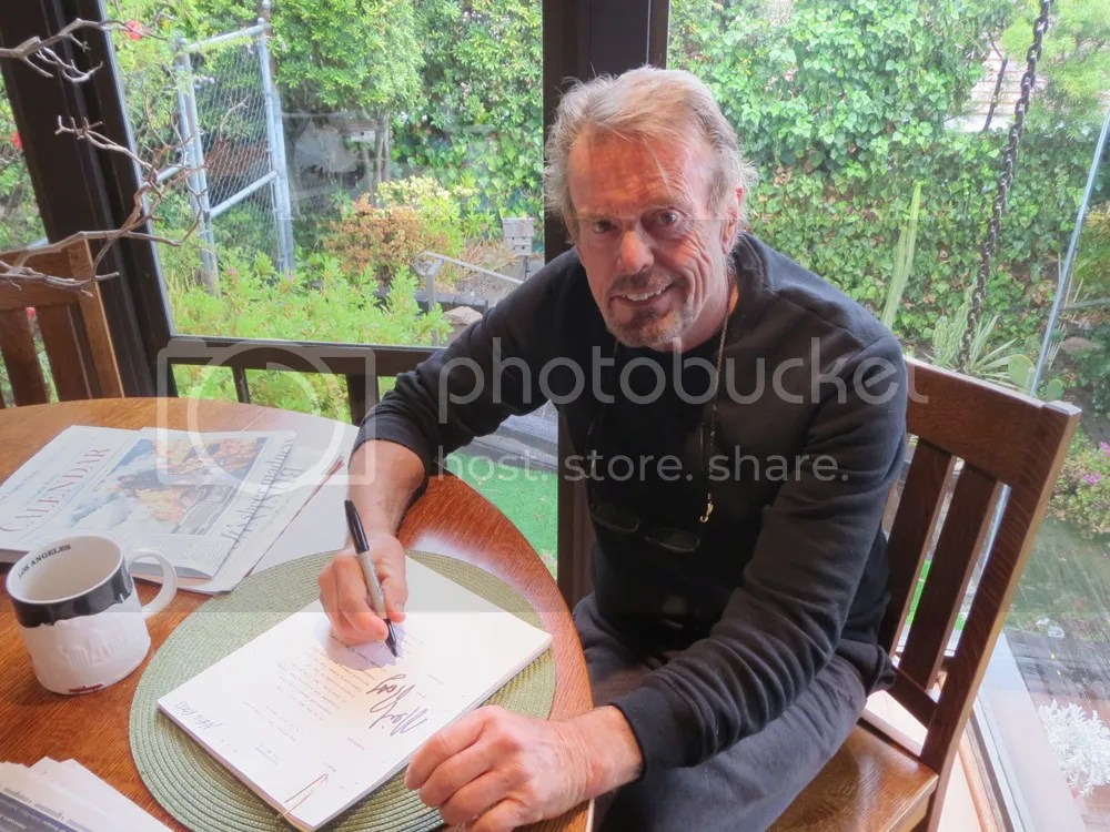 photo Neil RossSigning.jpg