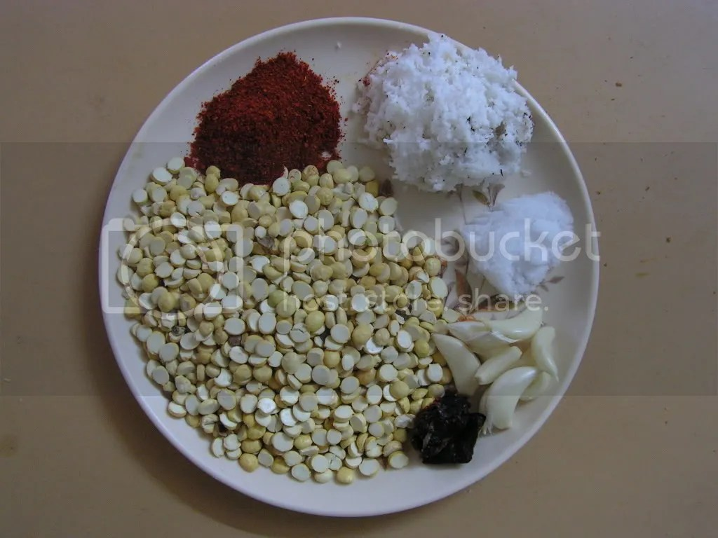 Ingredients of Red garlic chutney