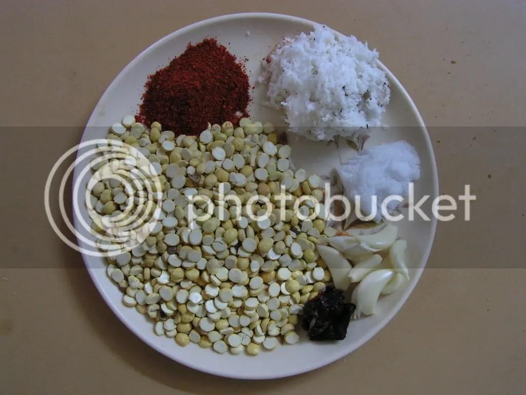 Ingredients of Red garlic chutney