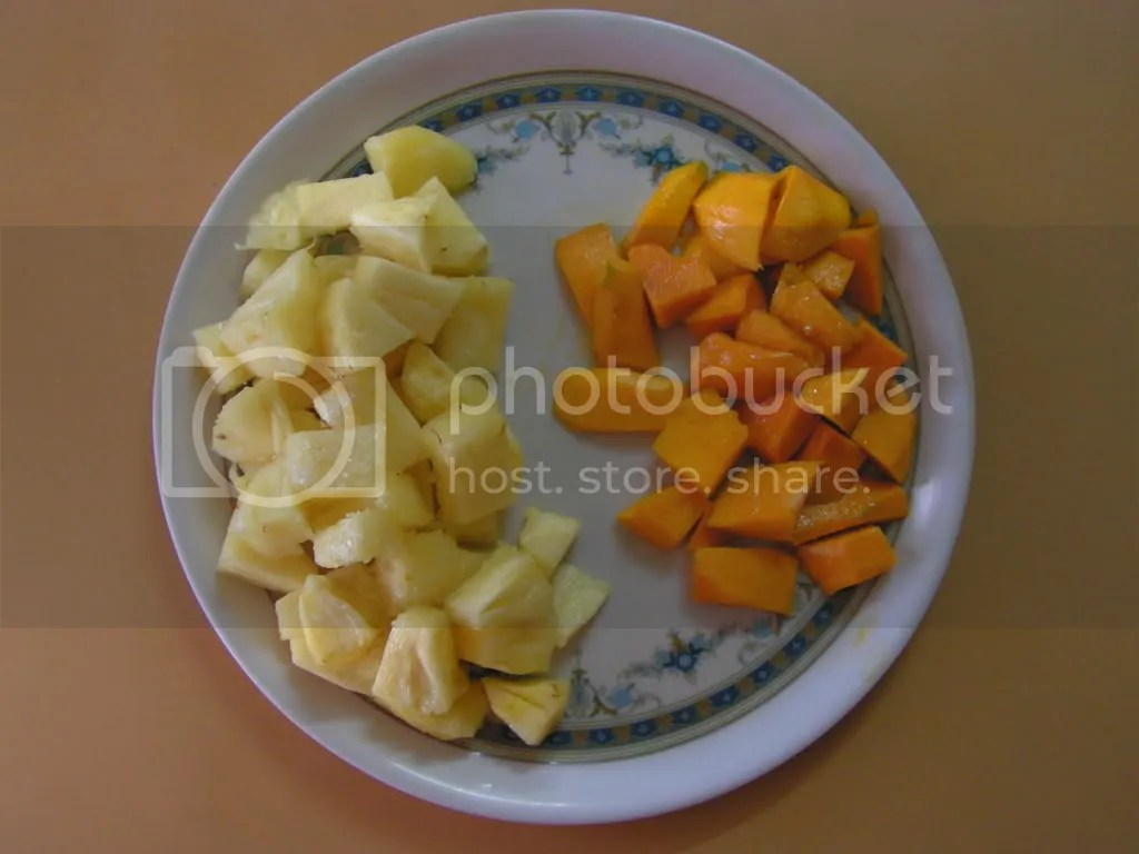 Pieces of Mango & Pineapple