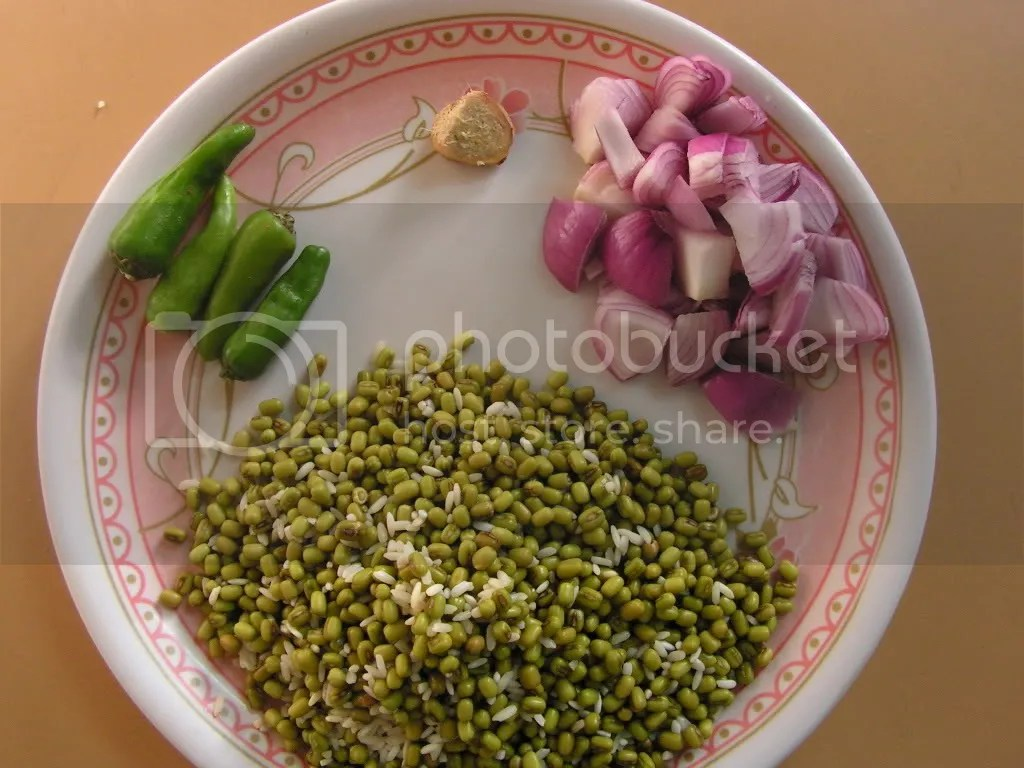 Ingredients of Andhra pesarattu