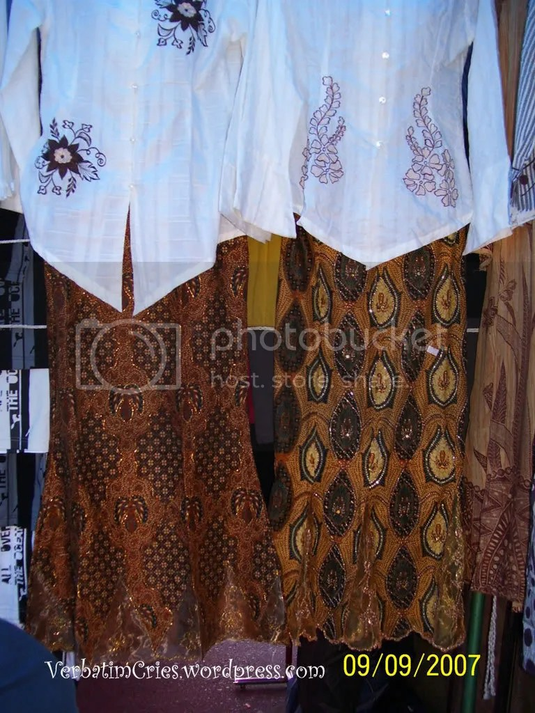 traditional motive skirts