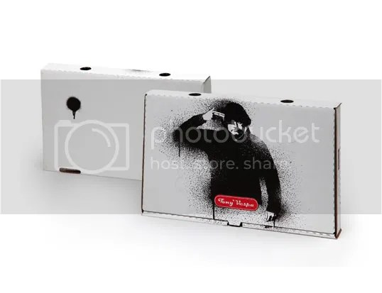 pizza,design,chien,radio,dog,print,carton,tony vespa,red,rouge,black,noir,foot print