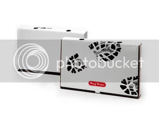 pizza,design,chien,radio,dog,print,carton,tony vespa,red,rouge,black,noir,foot print