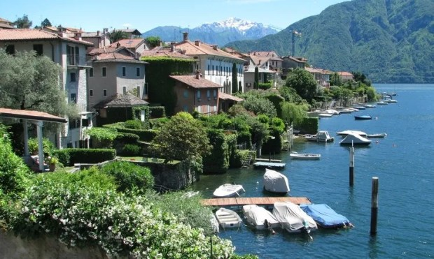 Lake Como Lake Garda northern Italy