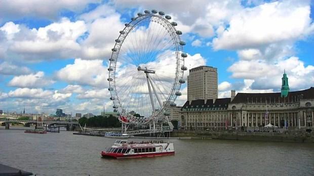 London pubs Harrods Thames