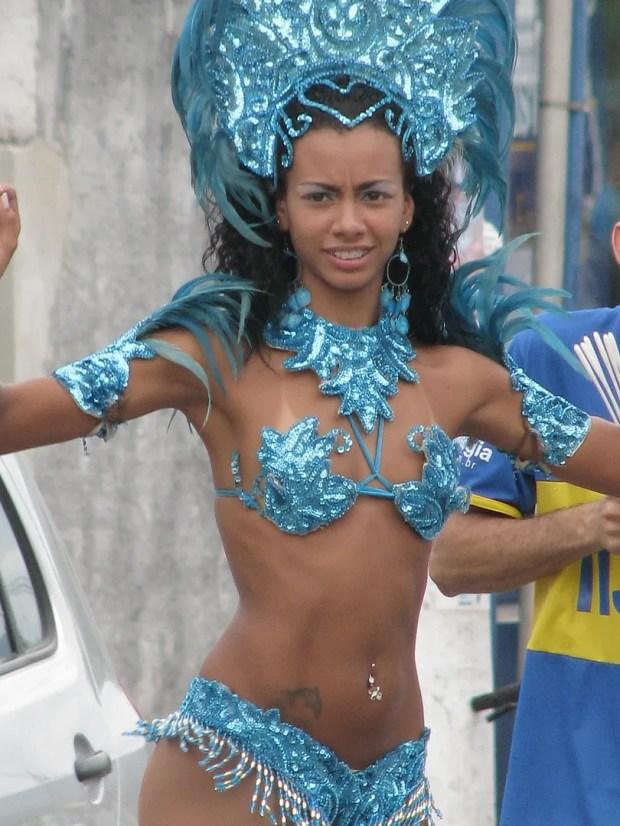 Sexy Brazilian samba babes