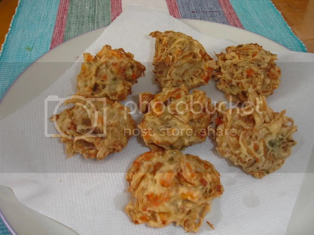 vegetable fritter (bakwan)