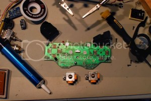 Hacking a Logitech PS2 controller into a Sony PS2