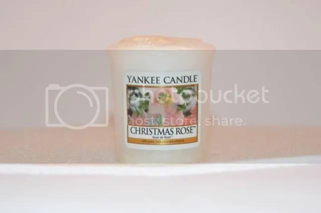 Yankee Candle- Christmas Rose photo DSC_0384.jpg