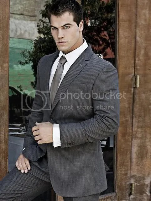 Bodybuilder in suit and tie photo HillJed-Suitandtie.jpg