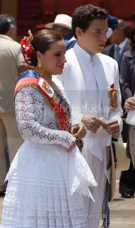 http://i22.photobucket.com/albums/b335/hardywang/Peru/Trijillo/Spanish%20King%20and%20Queen/DSC02684.jpg