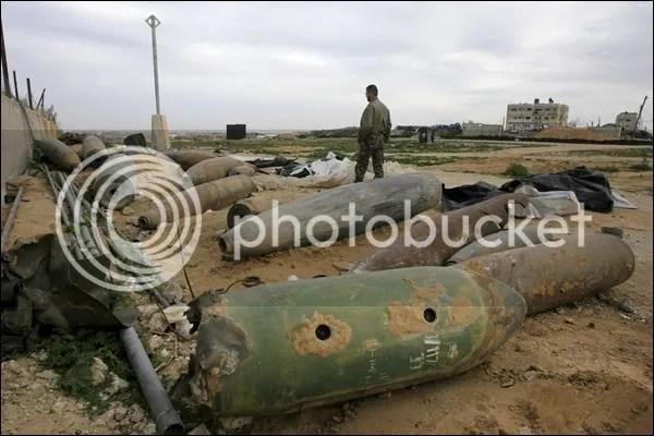 _45421979_bombs6.jpg picture by elhanem