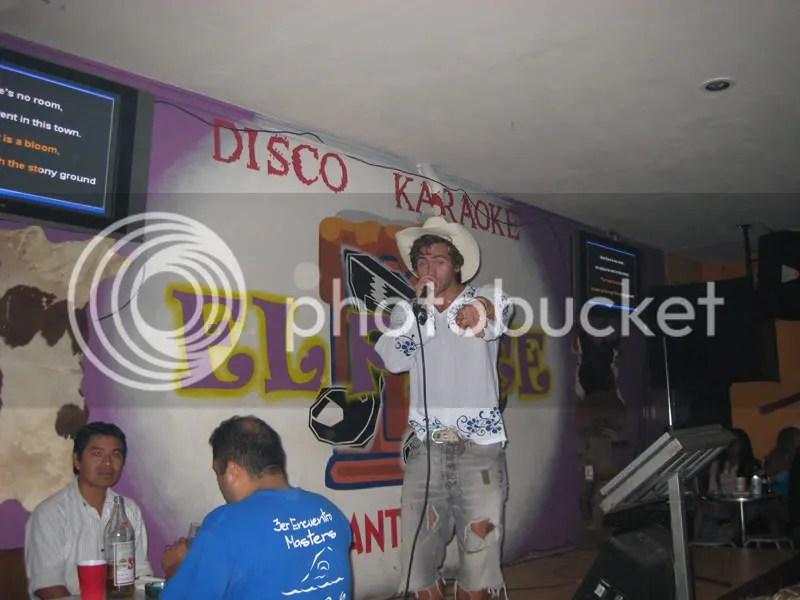 Daniel synger
