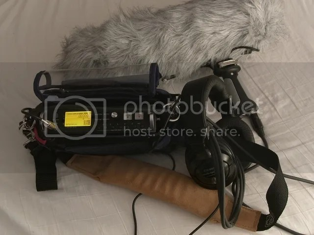 Field recording rig, With dead wombat