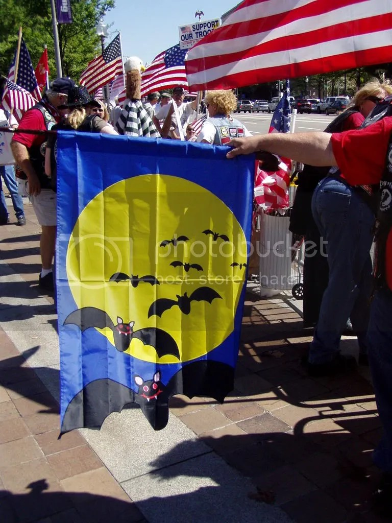 Moonbats-theEaglescapturedyourflag.jpg picture by chcrawfish