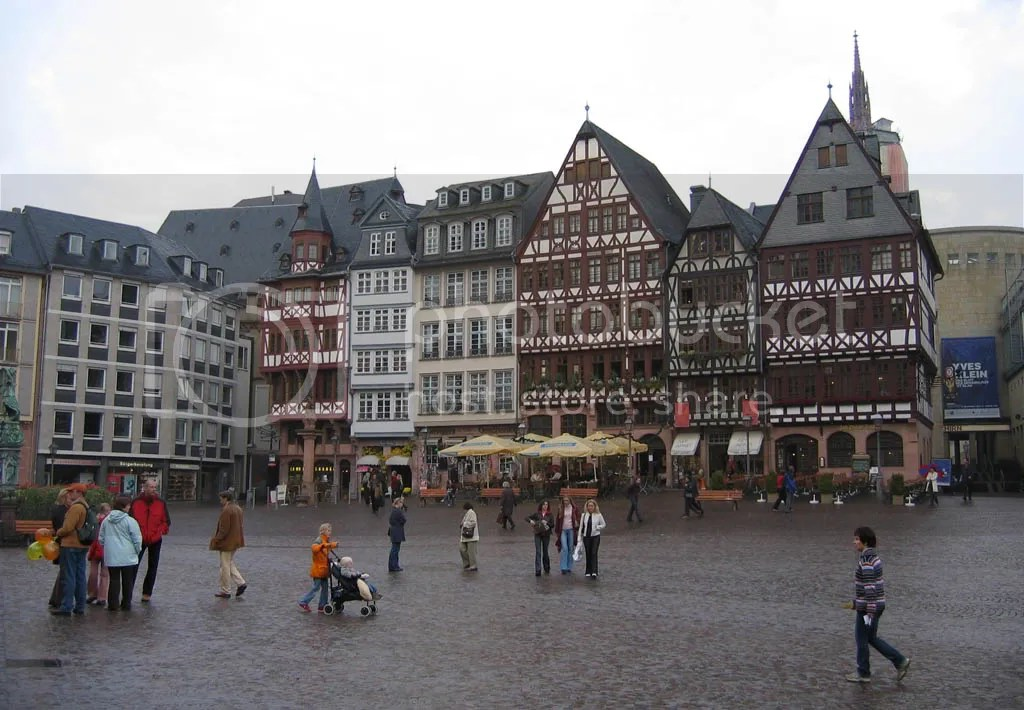 The Romer area of Frankfurt, 300+ years old.