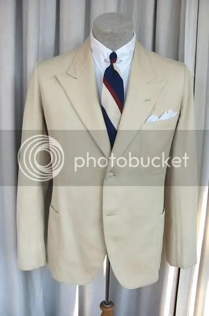 bottom button mans suit
