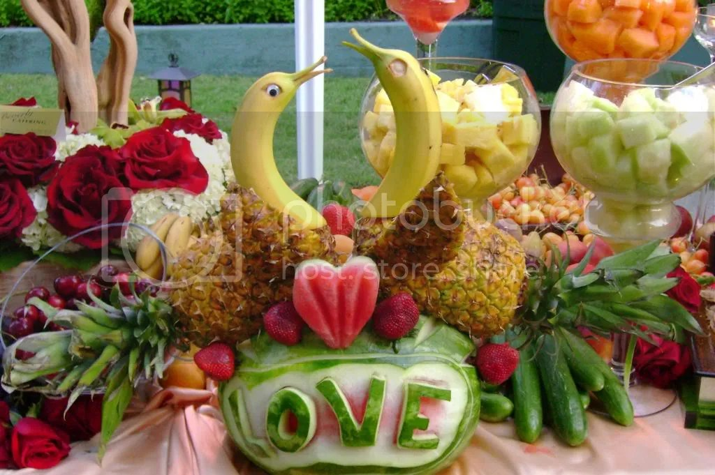Tropical Fruit Platter For A Beach Wedding: :: Love And Splendor :: THE BLOG