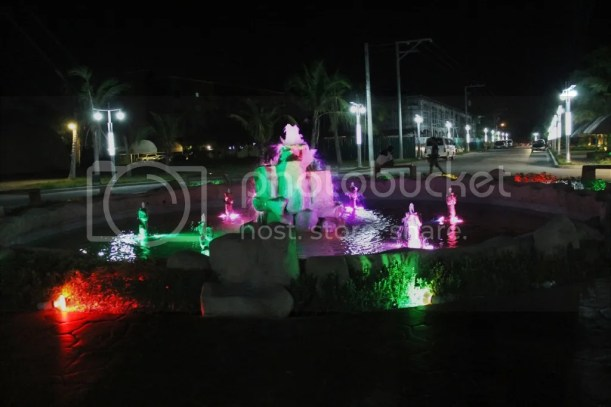 photo fountainatlighthouse2_zps23d9fd51.jpg