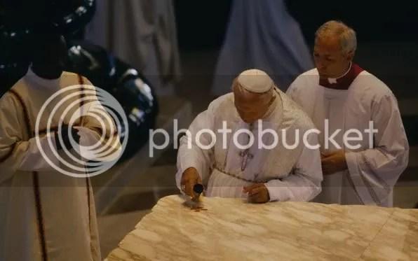 PopeBlessingAltarofOurLady.jpg picture by kjk76_93