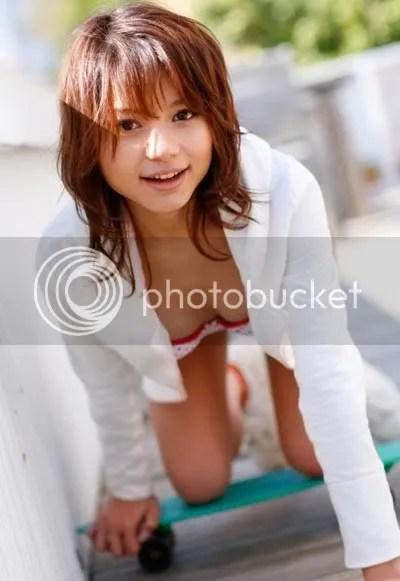 Tina Yuzuki Cleavage