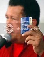 https://i2.wp.com/i237.photobucket.com/albums/ff41/prodefensadelaeducacion/chavez_constitucion.jpg