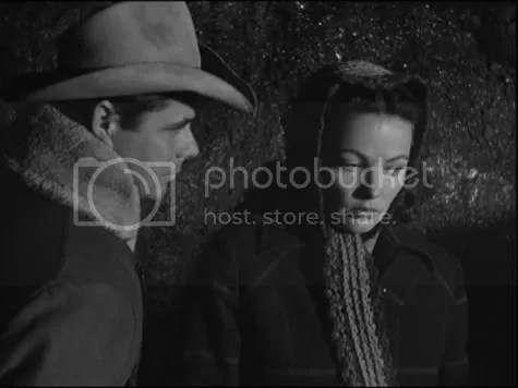 Breaking the ice - Glenn Ford and Gene Tierney in The Secret of Convict Lake.