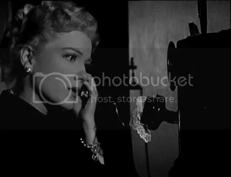 Fear and paranoia - Anne Baxter in The Blue Gardenia.