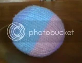 Knit ball