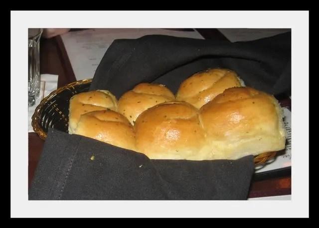 Mama Ricotta's garlic rolls